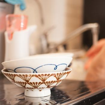 贈り物にも最適なお茶碗。毎日使う物だから、お気に入りのデザインで使い心地の良いものを選びたいですよね…。作り手さんの手仕事が伝わる素敵なお茶碗と一緒なら、日々の食事の時間がもっともっと居心地の良い時間に感じるハズ。みなさんも、是非、お気に入りのお茶碗を見つけてみて下さいね♪