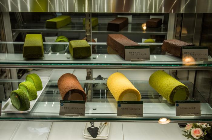 「シェ・アガタ」は、『宇治抹茶プリン』や抹茶味のロールケーキ『アガタロール』等、抹茶を使ったケーキや洋菓子で人気のケーキ店です。