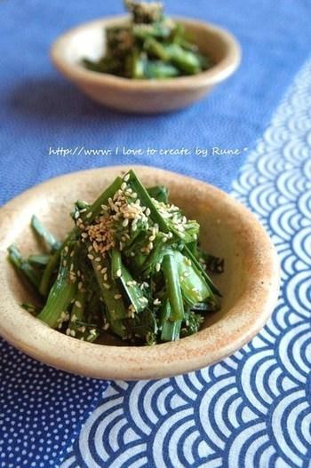 ニラを生のまま頂くサラダ。ニラが柔らかい、旬の時期にこそ作りたいですね。