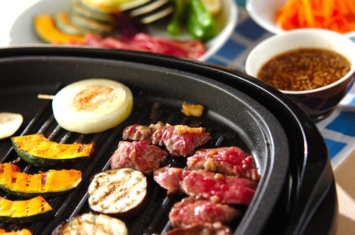 焼き肉のたれ。焼き肉の味付けにしか使わなくて普段は冷蔵庫の中で口の開いた瓶がいつまでも残っている・・なんてことはありませんか?