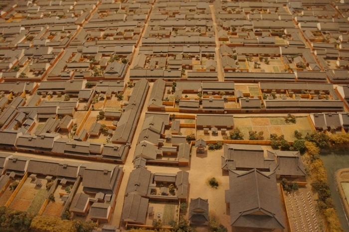館内には、今井町を精密に再現したジオラマ模型、映像シアターなどがあり、今井町が歩んできた足跡を辿ることができます。