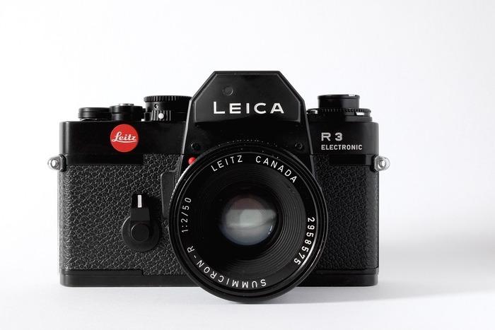 レンズ交換式一眼レフカメラ(Single Lens Reflex = SLR)  一般的には、一眼レフタイプのほうが馴染みはありますよね。