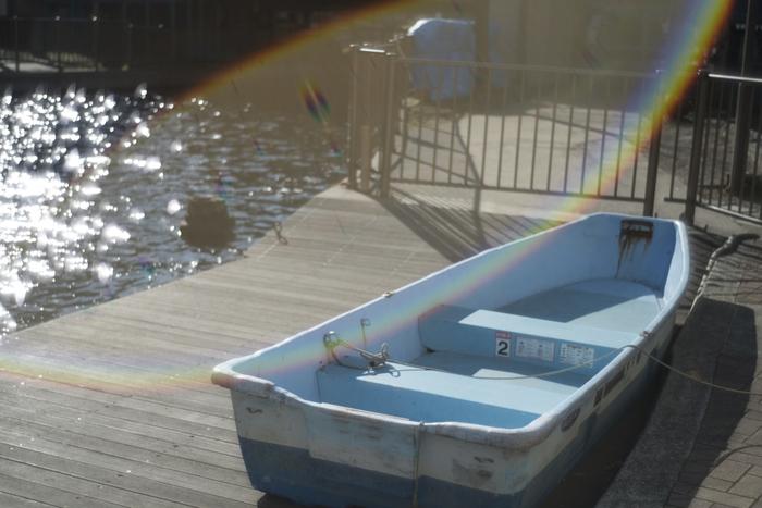朝日に包まれる、公園のボート。光のグラデーションがここまで繊細に映し出されるのも、Leicaカメラの特徴です。(M型Leica)