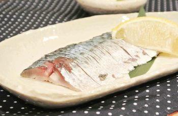 血の巡りがよくなることによって、クマの解消・シミそばかすの防止などの美肌効果も。さらにはダイエット効果もあるという、まさに女性の味方のお魚。10月~12月が旬なので、ぜひとも美味しいときに鯖をたくさん召し上がってください!