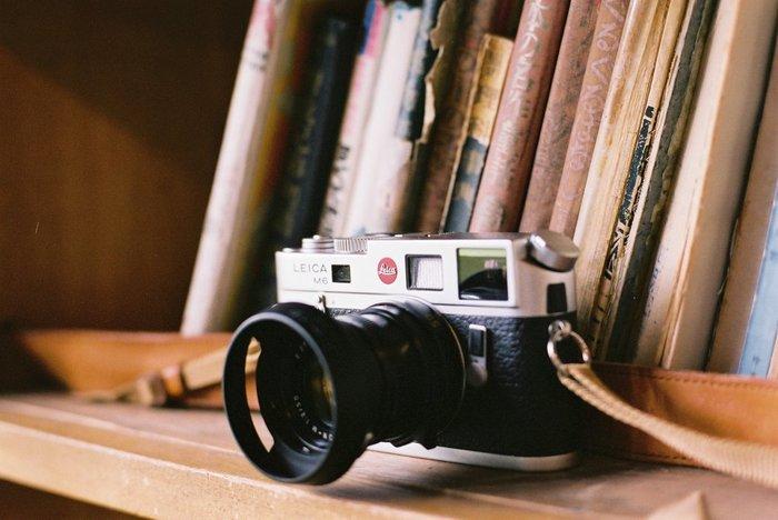 """""""世界でもっとも売れたLeica""""ともいわれている「Leica M6」。コンパクトで持ち歩きやすく、初心者でも美しいスナップを取ることができます。"""