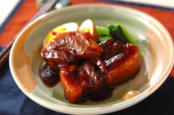 豚肉を先に焼き付け、ねぎと一緒に煮るなどの下処理が必要となりますが、作れるようになっておきたい人気レシピです。圧力鍋があればより短時間で柔らかく仕上がります。