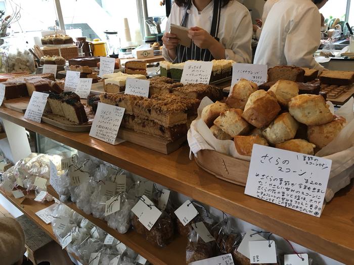 ほかにも、Sunday Bake Shop(サンデーベイクショップ)にはスコーンやショートブレッドなど、美味しそうなものが所狭しと並んでいますよ。
