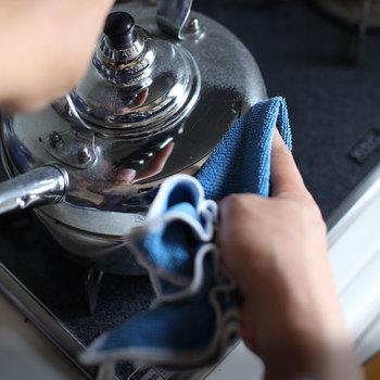 ヤカンの汚れも落ちてピカピカに。洗剤を使わず綺麗に拭けるので環境にも優しく、小さなお子さんがいる家庭にもおすすめ。キッチンはもちろん、お子さんが使う玩具のお手入れに使ってみても。さまざまなシーンで使える万能アイテムです。