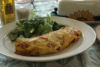 卵料理の定番オムレツにもトリュフオイルで香りづけを。いつものオムレツが、ハレの日のスペシャルなオムレツになりますよ♪