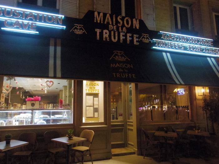 「メゾン・ドゥ・ラ・トリュフ」はパリのトリュフ専門レストランです。