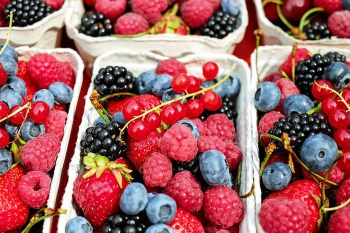 果実酒づくりの材料は、新鮮でキズがなく、粒がそろっているものを選びましょう。