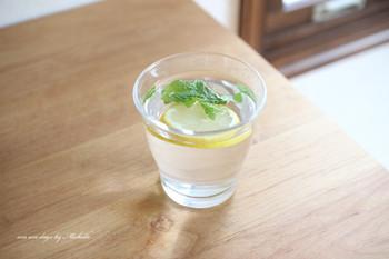 基本材料は、水やお湯とレモンだけですから、カロリーはほとんどありません。ダイエット中でも安心して飲むことができます。