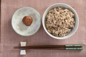 いかがでしたでしょうか? 玄米を炊くのは難しそう・・・と思っていた方もこれだと私も炊けそう!と思われたのではないかなと思います。 身体にもとってもいい玄米、この機会に食卓に取り入れてみてはいかがでしょうか?