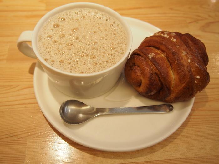 併設されているカフェも人気でフィンランド風のシナモンロールや美味しいコーヒーを戴けます。フィンランドまでは行けないけど雰囲気だけでも・・という方にもぴったり!お買い物の休憩にもオススメです。