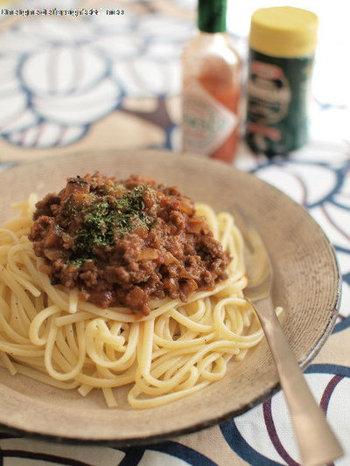 みんな大好きミートソース。スパゲッティではなくリングイネを使うと、よりもちもち・ぷちぷちとした食感や歯ごたえが楽しめますよ。