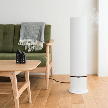 加湿器のデザインってほんといろいろです。丸が好きとかやっぱり四角で!などみなさんきっと好みははっきりしていると思いますが、ユニークなデザインのものも多いので加湿器で遊び心を部屋に取り入れてみるのも楽しいと思います。お好きな加湿器に出会えますように!