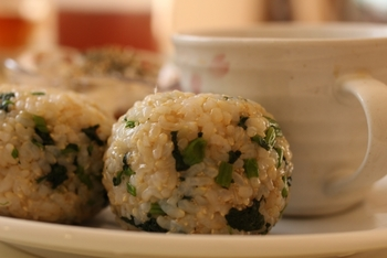 もちもちとした柔らかい食感で食べやすくなった玄米。その食感をいかして色々なアレンジレシピを楽しみましょう♪