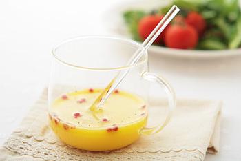 ホエーの優しい酸味を活かして、ドレッシングやマリネ液、ピクルスの調味液に。少しだけヨーグルトを加えるのも◎。