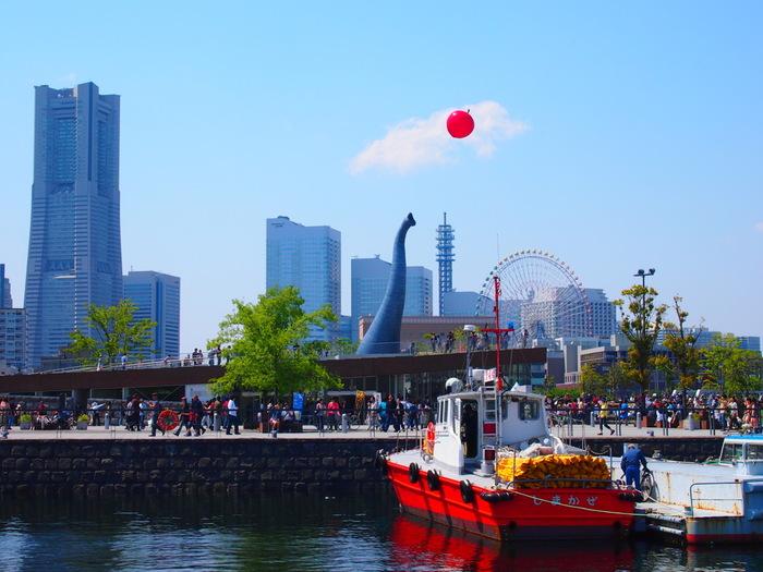 横浜高速鉄道みなとみらい線の日本大通り駅から、歩いて5分程度のところにある「象の鼻カフェ」。横浜港開港当時から異文化と日本文化がこの土地で融合し、今もなお多くの人や文化が出会い、つながり、新たな文化を生む場所を目指して造られました。