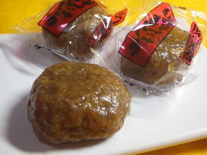 90年以上の歴史を誇る留寿都(ルスツ)村の伝統銘菓。沖縄産の黒糖、十勝産の小豆などを使い無添加です。みそは現在は使われていないそう。みそまんじゅうのみを販売する昔ながらのおまんじゅう屋さんです。