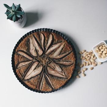 和菓子と洋菓子の要素をミックスした和洋菓子。自由な発想でつくる和洋菓子は、洋菓子派にも和菓子派にもおすすめの絶品ぞろいです。