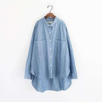 どんなボトムスも素敵に着こなす♪「デニムシャツ」でコーデの幅を広げましょ。