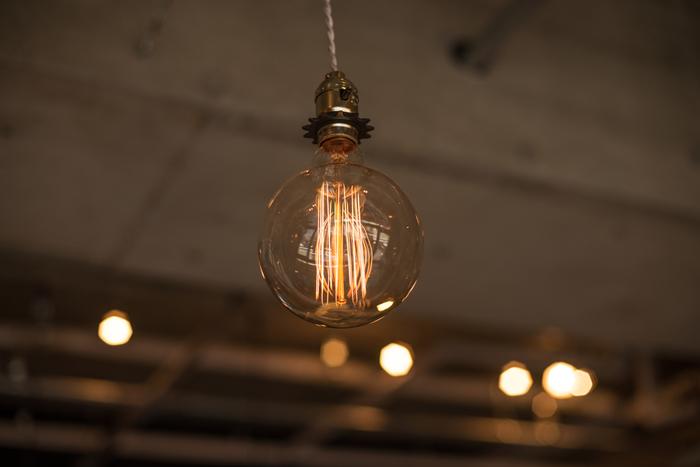 レトロでおしゃれ。電球の原点を復刻したエジソンバルブが素敵!