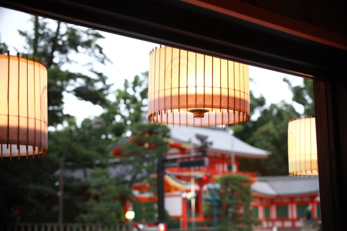 2階席からは八坂神社を真正面に望めます。 景色も味も楽しめて、二度おいしいお店です♪