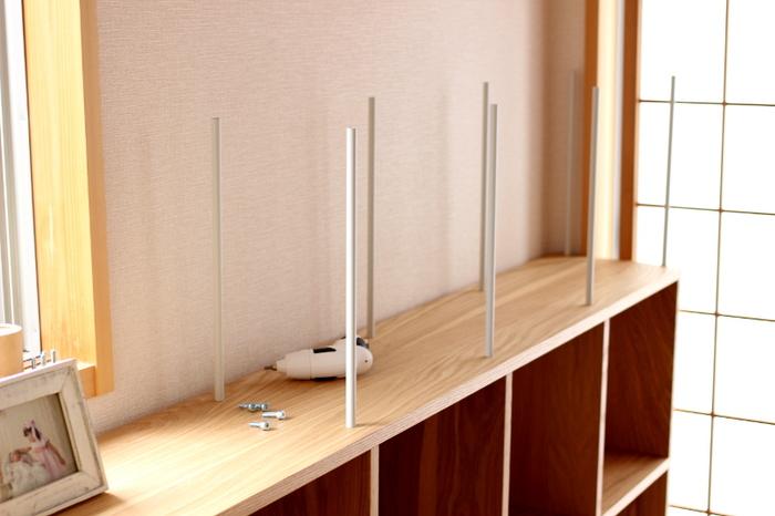 支柱と側板を自由に組み合わせて、タテにもヨコにもお好きなサイズで棚を作ることができます。