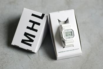 BOXも可愛いので、プレゼントには最適。デイリーに使えるおしゃれな時計は、きっと贈り物にも喜ばれること間違いありません。