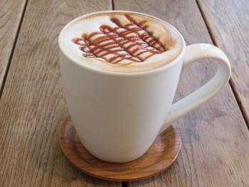 こちらはキャラメルラテ。見た目も香りもいいので、食べる前から満足感いっぱいのLu's CAFEです。