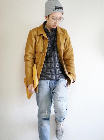 ジャケットや薄手のコートを 真冬でも楽しめる活気的なアイテム。 年々愛用者も増えてきています。