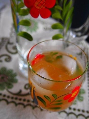 こちらは、シナモンや唐辛子、レモングラスなどを加えた、ほんのり大人味のジンジャーシロップ。お酒との相性がバツグンです!