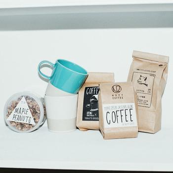 こちらは「TODAY'S SPECIAL」とコラボレーションしたコーヒー豆(画像中央)。 お取扱い状況はTODAY'S SPECIALの店舗にて問い合わせをしてみてくださいね。