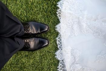 建物だけでなく、庭園も指定有形文化財に指定されています。 広大な芝生の庭園を利用したガーデンでの挙式など、 空と緑に囲まれた空間で、素敵な結婚式がかないそう♪  ※画像はイメージです。