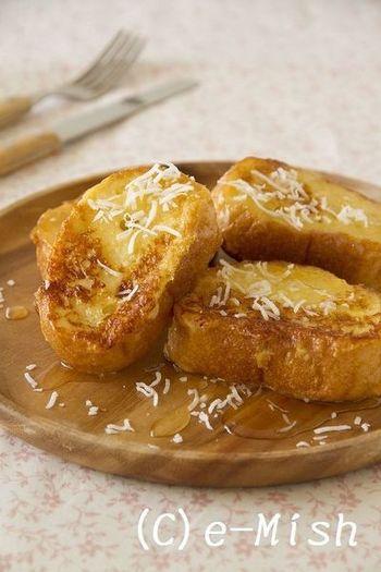 ココナッツのほんのり甘い香りが楽しめるから、バターの代わりにトーストに塗ってもおいしい!ココナッツオイルの中鎖脂肪酸は代謝がよく、脂肪やカロリーを燃焼してくれる効果が期待できるので、フレンチトーストにもたっぷり入れてみて。フレンチトーストのレシピは下記URLをチェックしてみてくださいね。