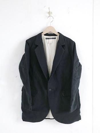 """100年前のヨーロッパの労働服をベースに作られた、ガーメントリプロダクションオブワーカーズのアイテム。""""洒落ているのに機能的""""それはずっと昔からあった、男子たちの欲求。"""