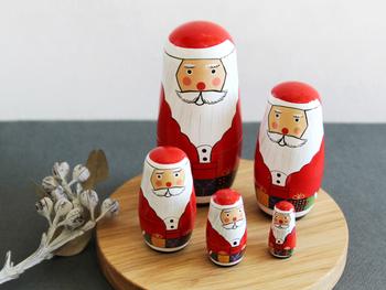 クリスマスらしい写真映えするメニューにしたい、家族が喜ぶものを作りたい・・・などなど、悩みや考えることはさまざまですよね。 クリスマスだからこそおしゃれで見栄えのするディナーを作りたい! それなら、<チキン・バケット・スープ>の3つがあればクリスマスらしく食卓を彩れること間違いなし。さっそくレシピを見ていきましょう!