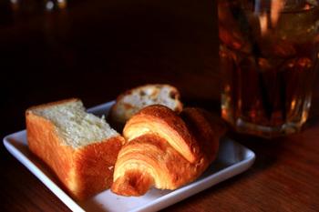 バイキングのパンは、いろいろな種類をたくさん楽しめます。