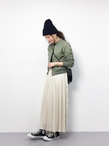 いかがでしたか?マキシスカートは、カジュアルにもフェミニンにも着こなすことができますね。様々な色やデザインが出ていますので、是非お気に入りの一枚を見つけてみて下さいね。