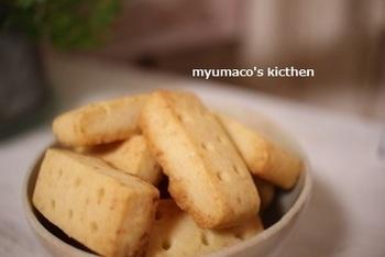 チーズやフルーツなどの風味を楽しみたいお菓子には、ごまテイストがしない透明な太白胡麻油を使ってみて。素材の香りが生きてきますよ。