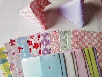 和紙などきれいな柄のペーパーを使えばキュートにできあがり♪たくさん作ってみんなにプレゼントしたくなりますね。