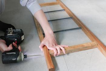 シンプルでおしゃれなインテリア♪ラダーラックを簡単DIY!