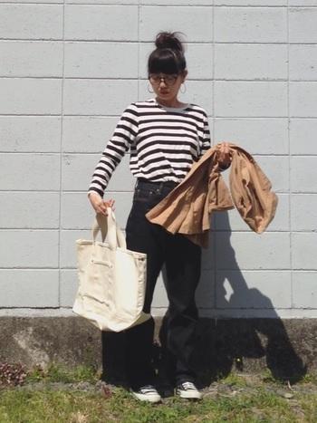 何でも入れちゃうトートバッグ、キナリノ女子の皆さんも一つは持っているマストアイテムではないでしょうか? トートバッグは出し入れもラクラクで、気軽にお出かけに持つにはとても便利ですよね。