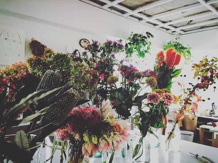 お花は一輪から購入OK。 大人の女性がふらりと立ち寄り、お花を買って帰る。そんな気楽さが魅力です。