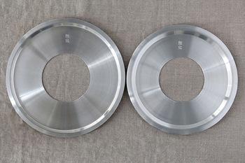 蒸し板があれば、中華鍋がなくても普段使っている鍋でせいろを使うことが出来ます!蒸し板はせいろを安定させる他、蒸気を安定させ、焦げ付きを防ぐ効果があるんです。