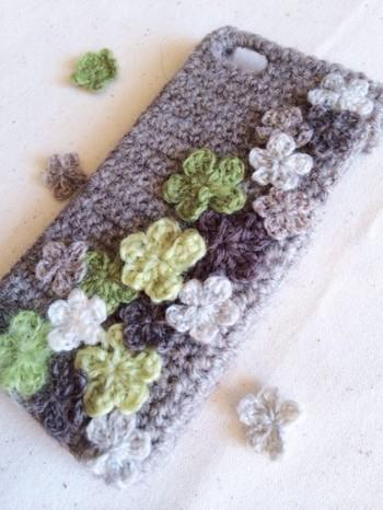 毛糸や布だって、接着できてしまいます♪自分好みのオリジナルが気軽に作れますね。