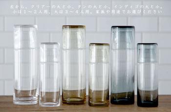 蓋の部分がグラスになる『ナイトカラフェ』は、暑い夏の夜を涼しげに演出してくれます。  ミネラルウォーターや麦茶などをカラフェに入れてナイトテーブルへ。のんびりリラックスタイムを過ごしながら、喉が渇けばすぐに水分補給できます。