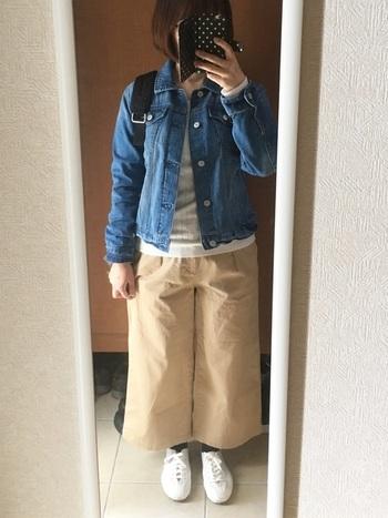 品質にこだわる日本のブランド「RESTFOLK」とムーンスターのコラボスニーカー。柔らかなキャンパス素材なので、ナチュラルなファッションとの相性もぴったり。こちらはcoenの別注カラー。ネイビーも展開しています。