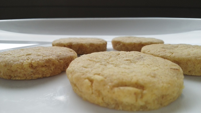 「ハーベルグリン」 オートミールが入ったがりっとした堅さのあるクッキーです。フィンランドの家庭で愛されているお菓子。